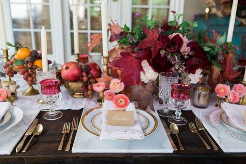 Serveware, Dishware, Tableware, Tablecloth, Petal, Pink, Table, Sweetness, Centrepiece, Plate,