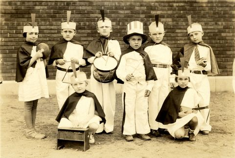 <p>A group of children in fancy dress, as part of a Thanksgiving pageant, circa 1910.</p>