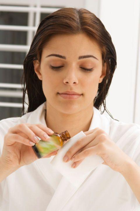 10 Surprisingly Handy Ways to Use Tea Tree Oil Around the House