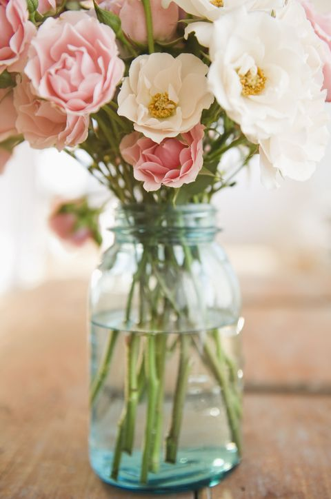 Petal, Bouquet, Glass, Flower, Pink, Cut flowers, Centrepiece, Flowering plant, Artifact, Peach,