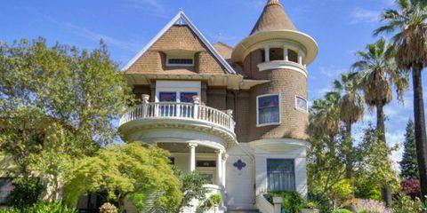 House, Property, Real estate, Home, Building, Facade, Door, Residential area, Roof, Villa,