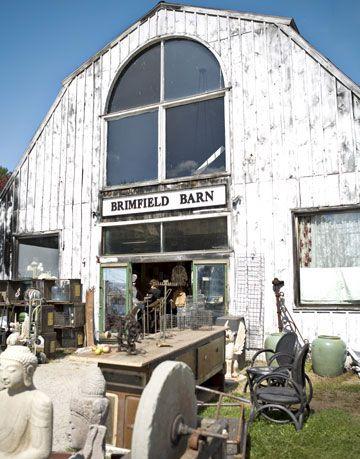 brimfield barn antique show
