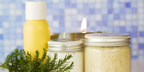 6 Ways to Organize Your Beauty Products With Mason Jars
