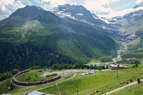 Mountainous landforms, Mountain range, Highland, Natural landscape, Transport, Valley, Landscape, Mountain, Hill station, Hill,