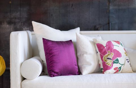 Textile, Purple, Magenta, Pink, Cushion, Throw pillow, Pillow, Violet, Interior design, Living room,