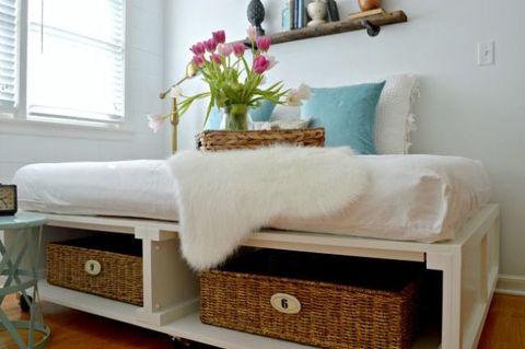 Room, Window, Interior design, Wall, Window blind, Interior design, Window covering, Petal, Bouquet, Home,