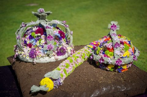 An Artist Just Recreated the Crown Jewels Using 2,500 Flowers