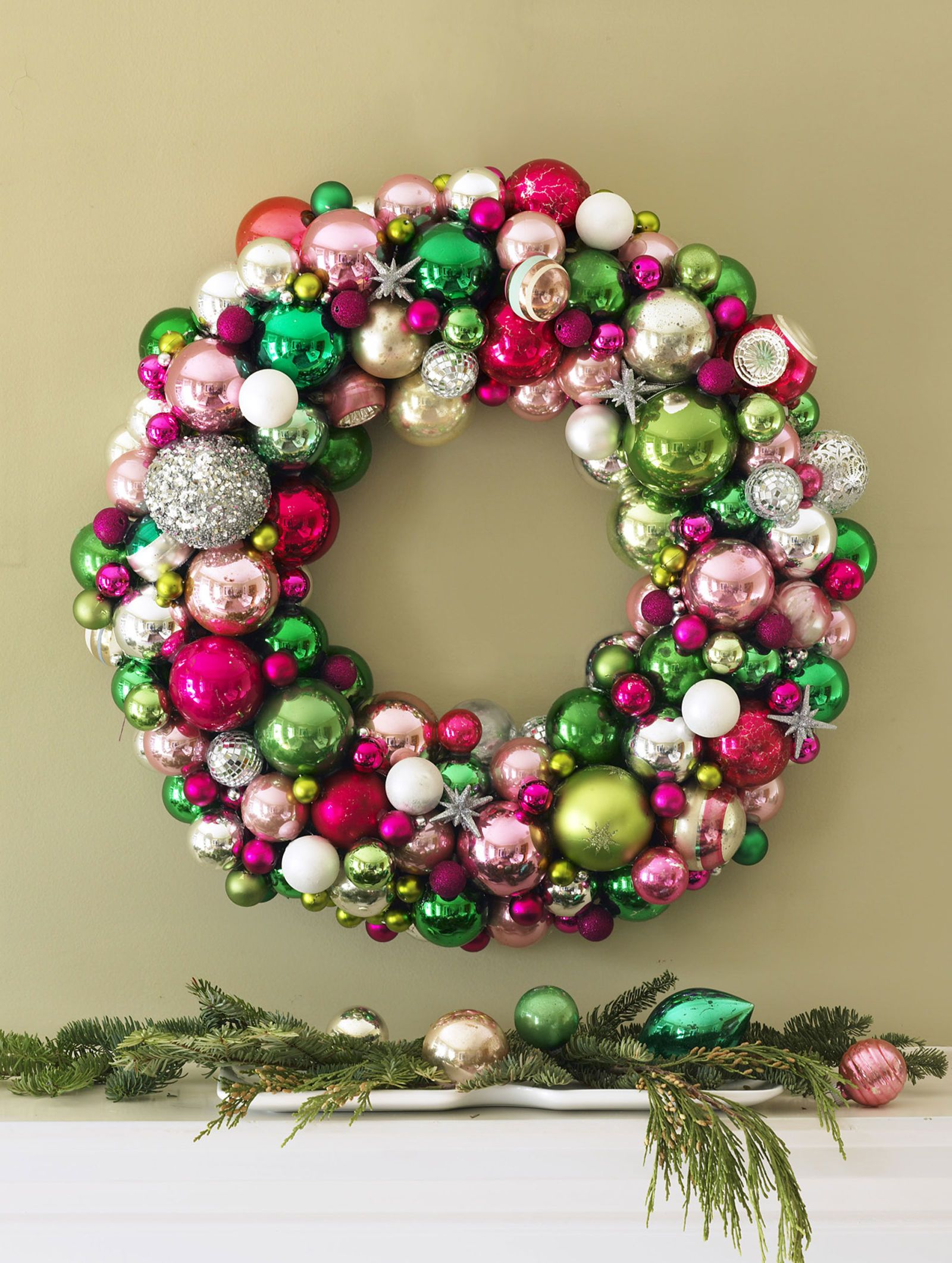 45 Diy Christmas Wreaths How To Make A Holiday Wreath