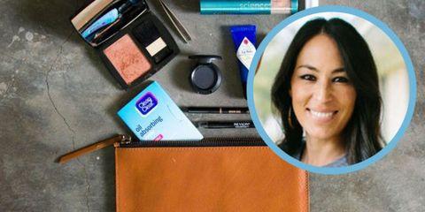 Eyebrow, Azure, Tooth, Eyelash, Electric blue, Material property, Cosmetics, Eye shadow, Leather,