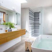 Bathroom, Property, Room, Bathtub, Interior design, Building, House, Real estate, Floor, Architecture,
