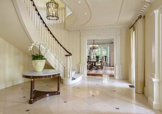 Mansion from dallas for sale ewing mansion for sale for Pool design tv show