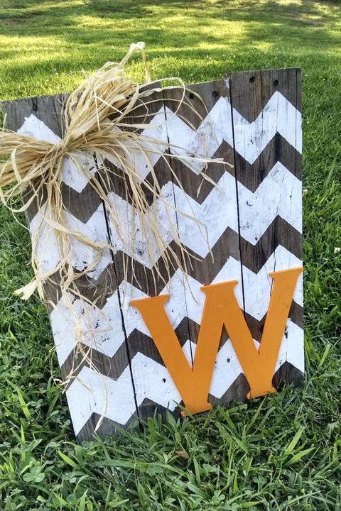 fall pallet projects, monogrammed art