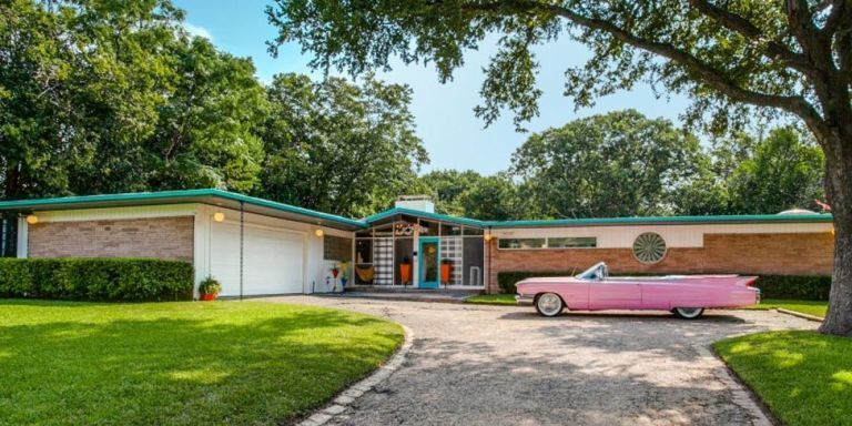 This Mid-Century Home Is Basically a Time Machine Back to 1954