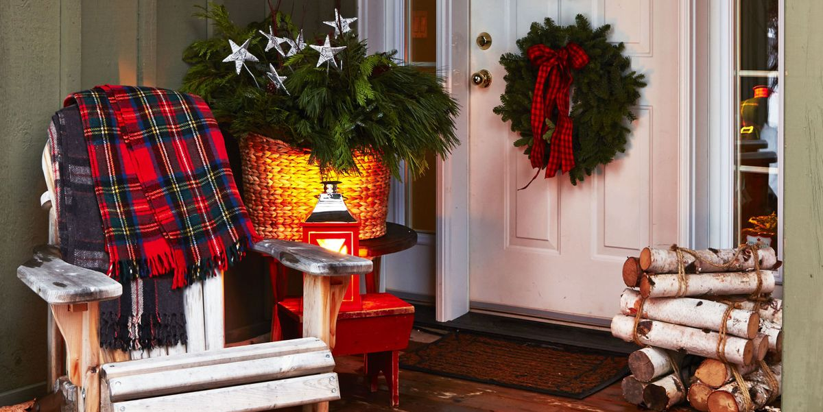 50 best outdoor christmas decorations christmas yard decorating ideas. Black Bedroom Furniture Sets. Home Design Ideas