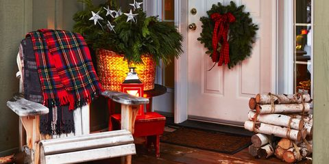 outdoor christmas decorations - Christmas Porch Railing Decorations