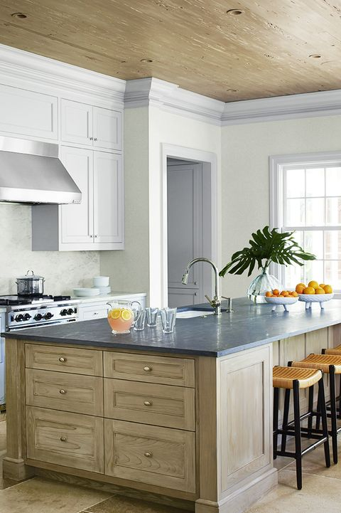 14 Best Kitchen Paint Colors - Ideas for Por Kitchen Colors Ideas For Painting Wood Kitchen Cabinets on ideas for painting crown molding, ideas for painting kitchen islands, ideas for painting oak cabinets, ideas for painting windows, ideas for painting cabinet doors,