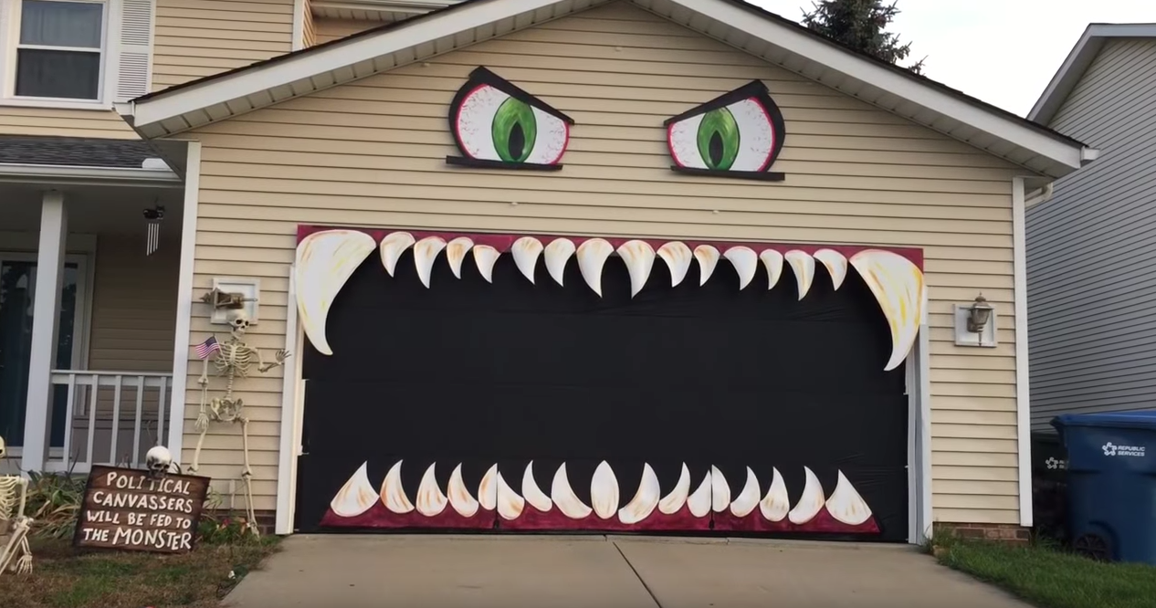 Woman Turns Her Garage Into A Monster Monster House Garage