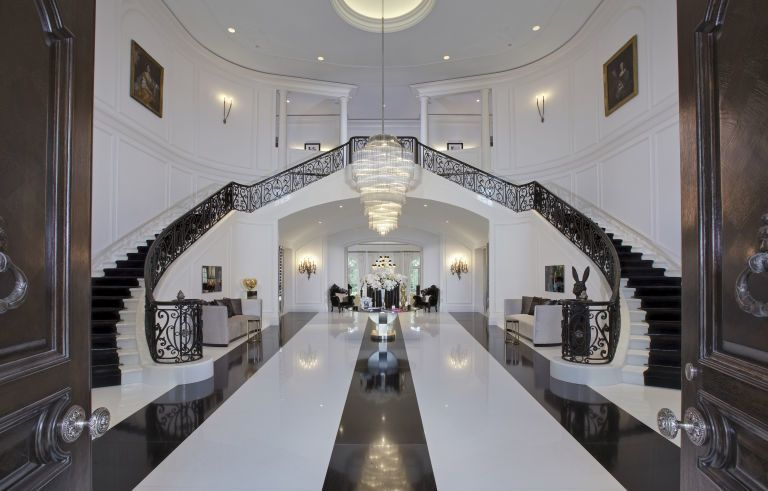 Take A Look At The 14 Most Expensive Homes In World