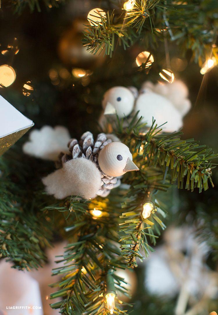 Pinecone ornaments pinecone holiday diys solutioingenieria Gallery