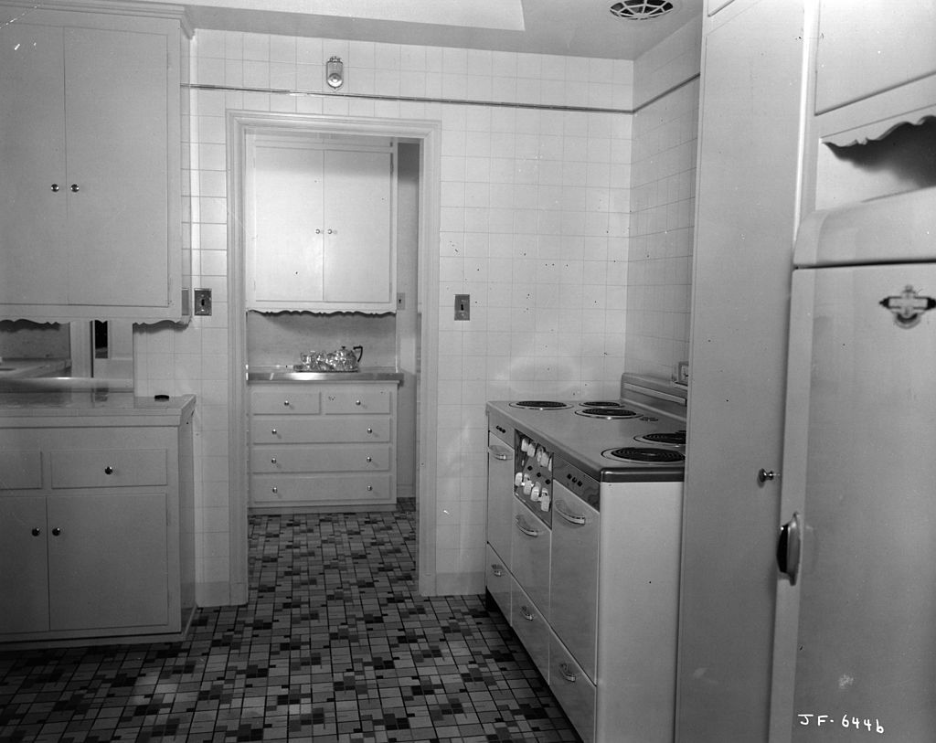 How The Kitchen Has Changed Over 100 Years Vintage Kitchens