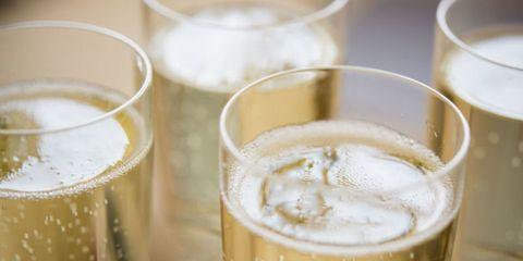 Drinkware, Liquid, Beer, Drink, Barware, Alcohol, Alcoholic beverage, Glass, Tableware, Beer glass,