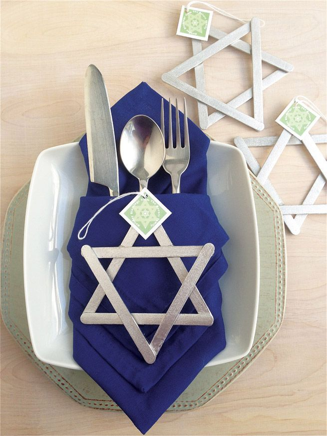 9 Stunning Hanukkah Decorations