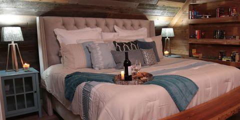 Bed, Room, Lighting, Bedding, Interior design, Bedroom, Bed sheet, Property, Textile, Wall,