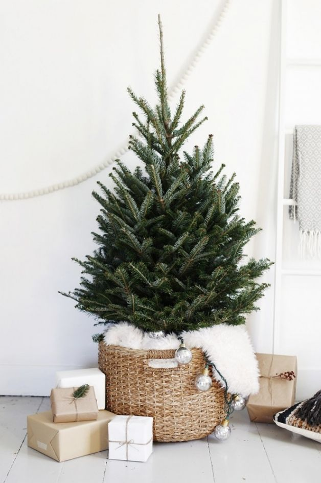 25 Small Christmas Trees Decorated , Ideas for Mini Holiday