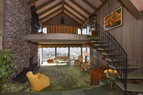 Brady Bunch House Type
