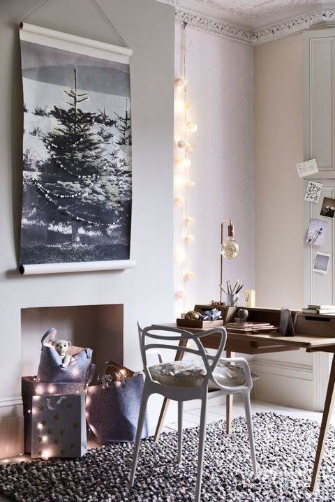 Style inspiration: starry, starry night. Pinks, greys, wood and burnished metallics. Christmas room decorating ideas