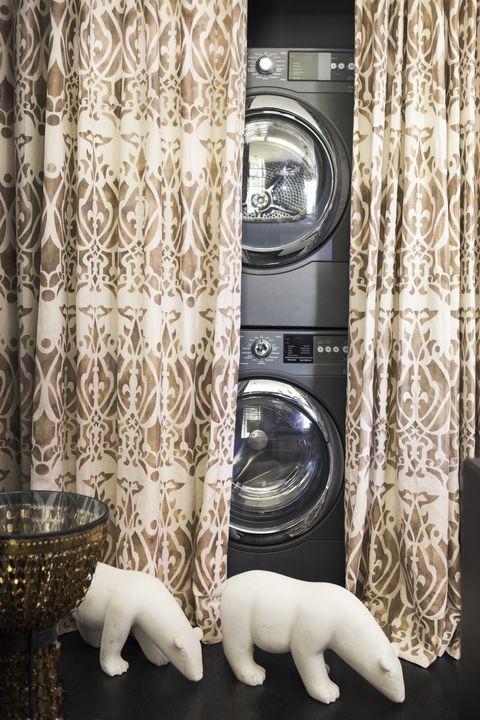 Toy, Major appliance, Terrestrial animal, Clothes dryer, Stuffed toy, Interior design, Polar bear, Washing machine, Silver, Bear,