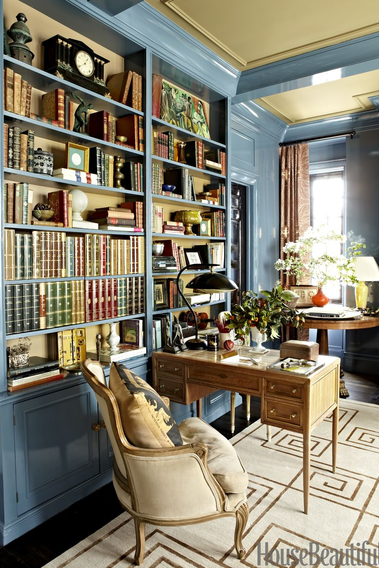 Classic Home Library Design: Stylish Classic New York Apartment