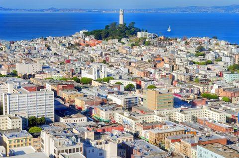 Residential area, Neighbourhood, Urban area, City, Town, Landscape, Roof, Metropolitan area, Real estate, Suburb,