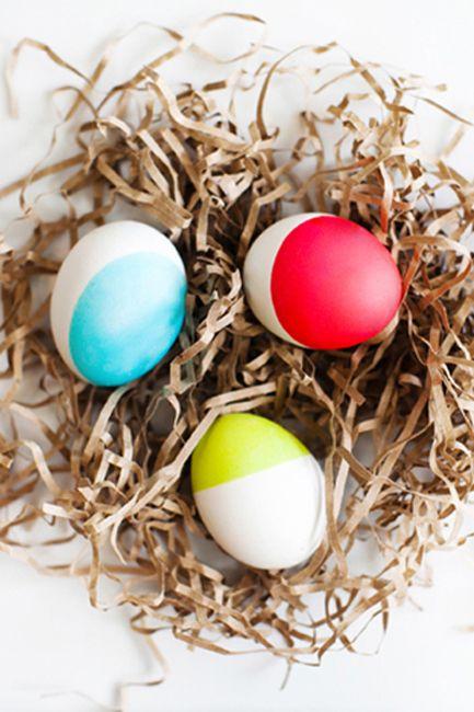 25 Creative Ways To Dye Easter Eggs Cool Easter Eye Dye Ideas