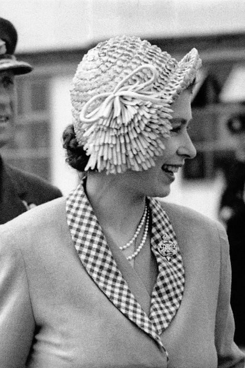 Hat, Style, Headgear, Jewellery, Blazer, Monochrome, Monochrome photography, Necklace, Black-and-white, Costume hat,