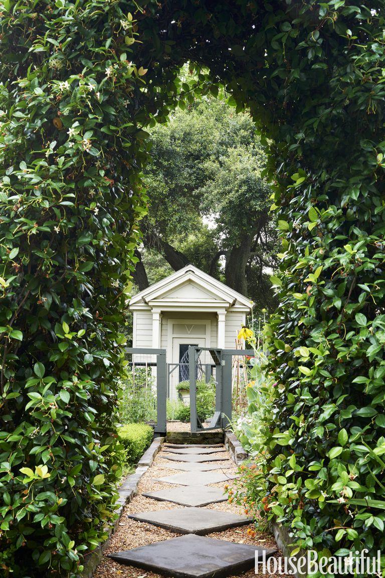 52 beautiful landscaping ideas best backyard landscape for Tops garden buildings