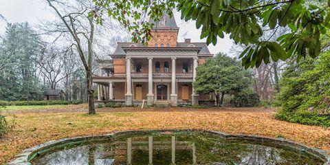 abandoned-mansion