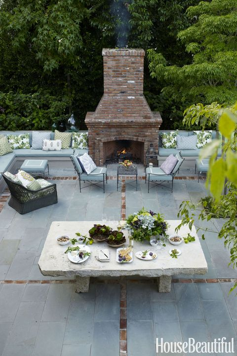 outdoor fireplace with bench