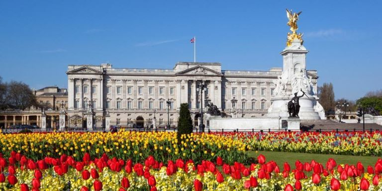 Pictures inside buckingham palace london england