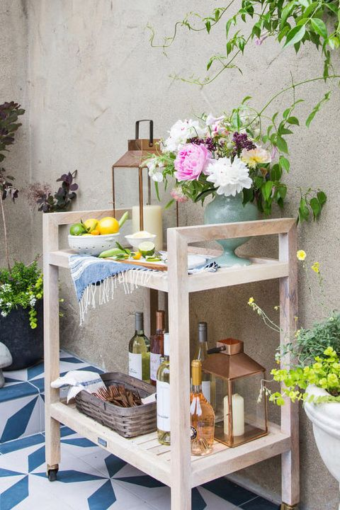 Table, Furniture, Shelf, Floristry, Flower, Room, Plant, Floral design, Interior design, House,