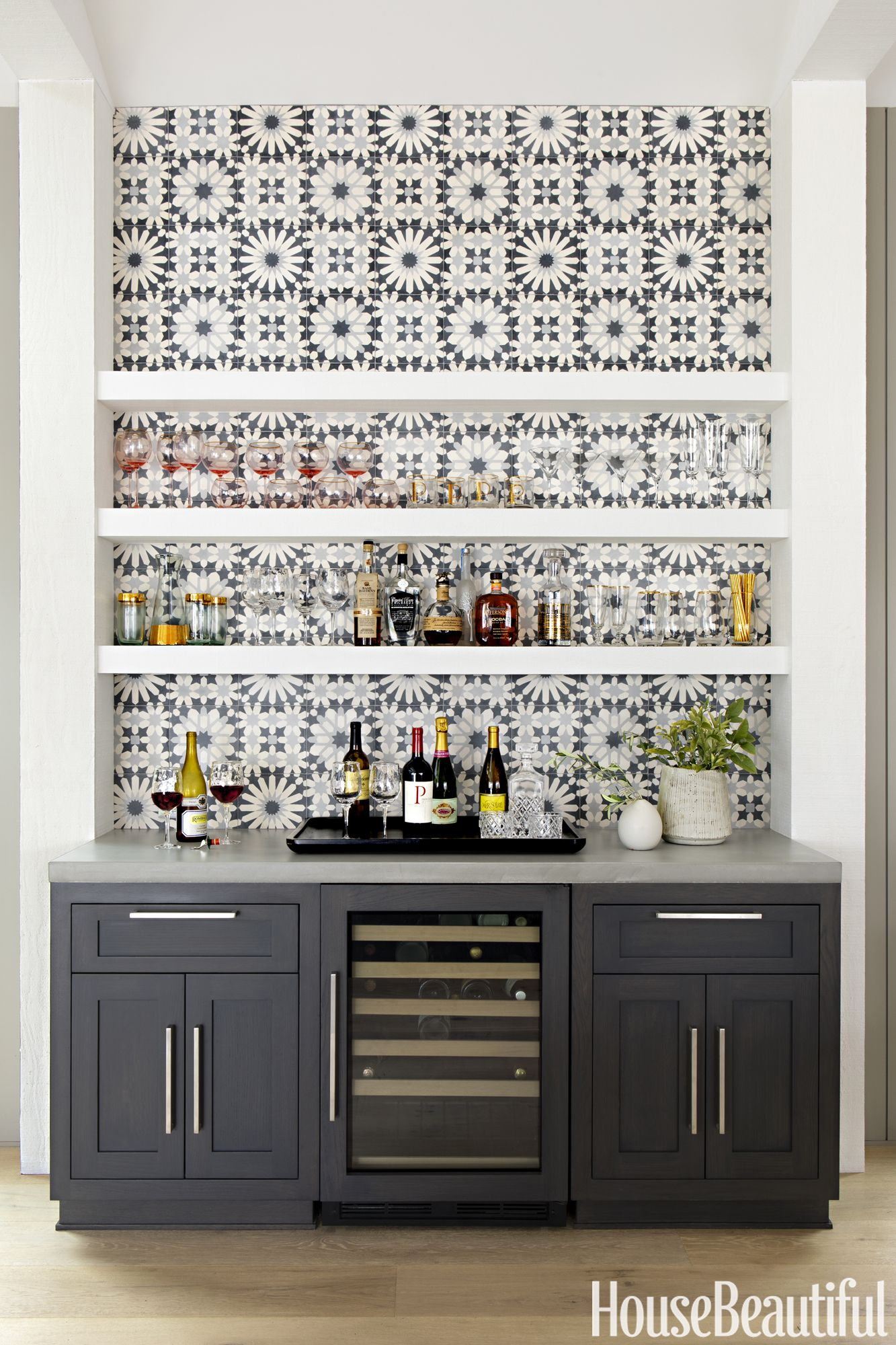 gray kitchen bar with tile backsplash