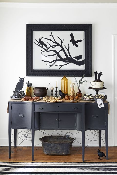 halloween entryway decorating idea