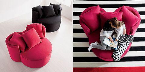 Textile, Bag, Magenta, Luggage and bags, Throw pillow, Cushion, Pillow, Leather, Velvet, Futon pad,