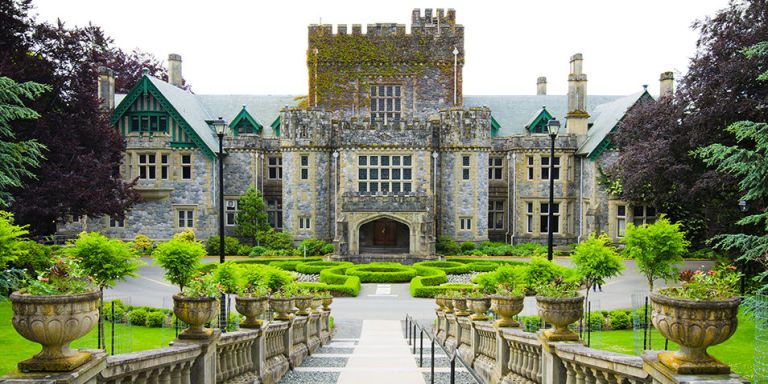 30 of the Most Beautiful College Campuses in the World