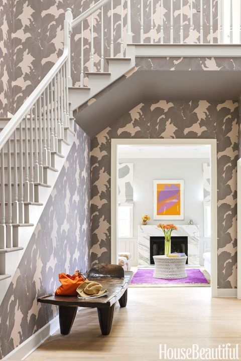 Stairs, Property, Floor, Interior design, Home, Grey, Baluster, Handrail, Molding, Design,