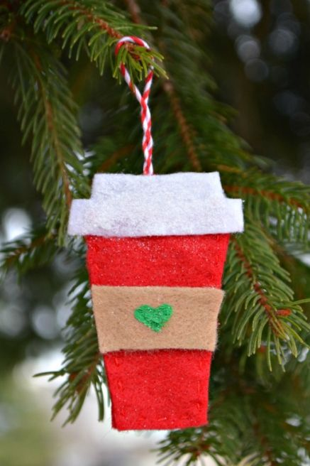 27 homemade christmas ornaments that bring the joy