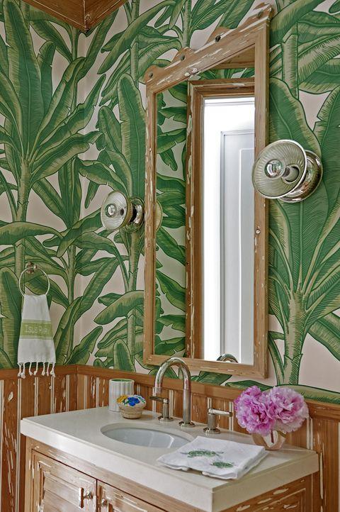 Stupendous 18 Best Bathroom Colors Top Paint Colors For Bathroom Walls Interior Design Ideas Truasarkarijobsexamcom