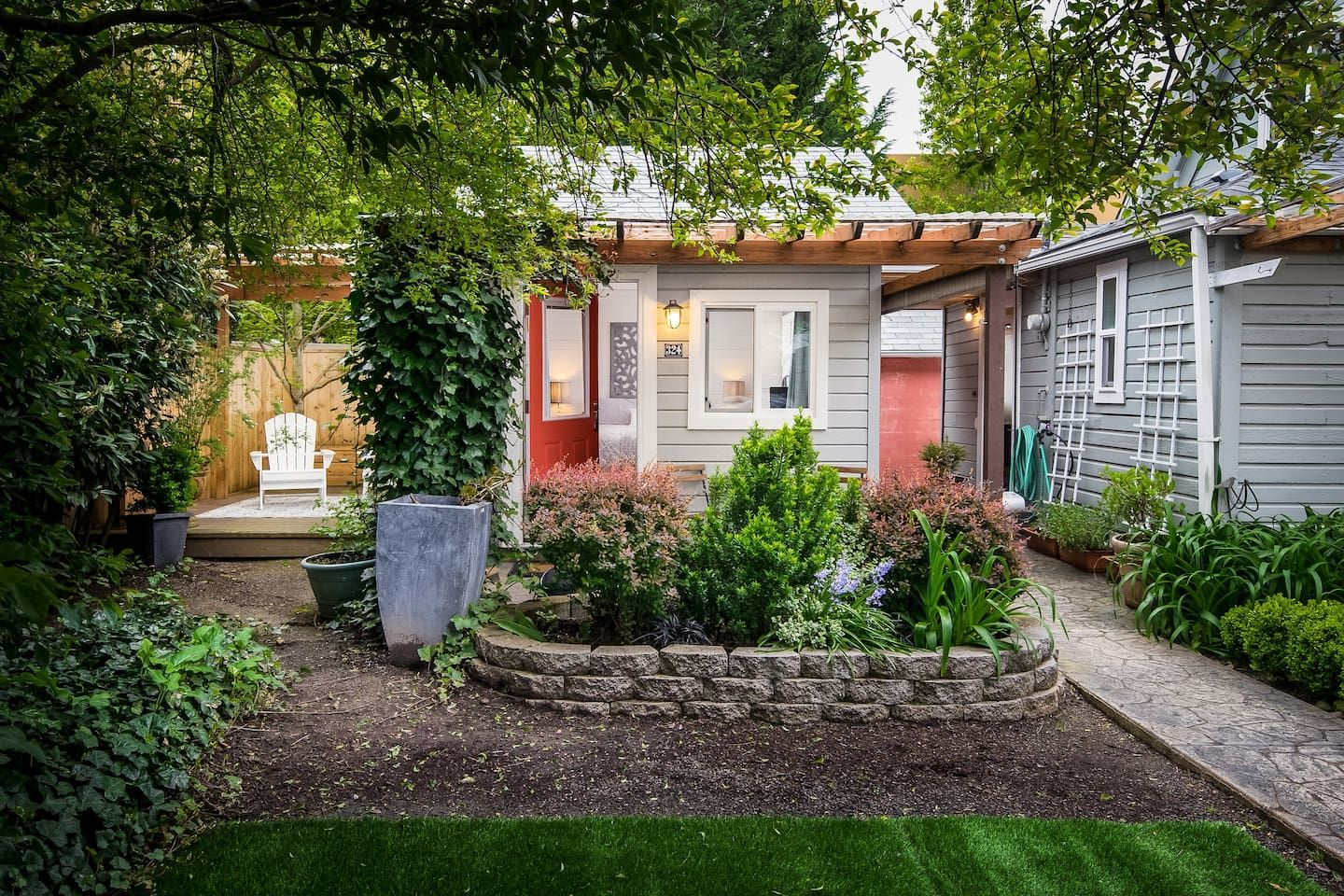 Tiny house airbnb oregon new house designs for Small houses oregon
