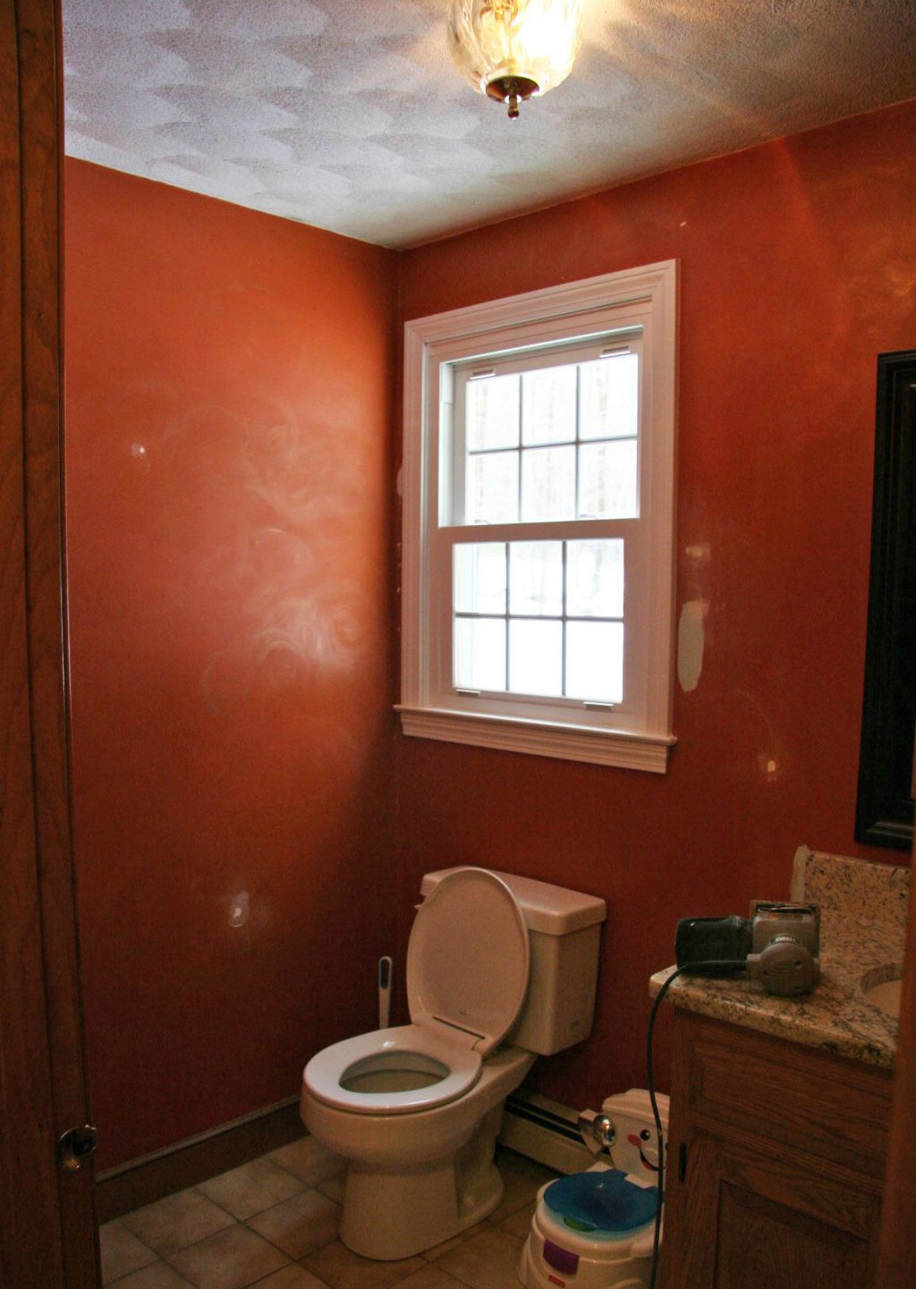BEFORE & AFTER: The 10-Times-Brighter Powder Room