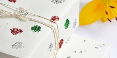 12 DIY Alternatives To Traditional Gift Wrap